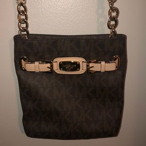 65037ea313c8ac micheal kors leather cross body purse